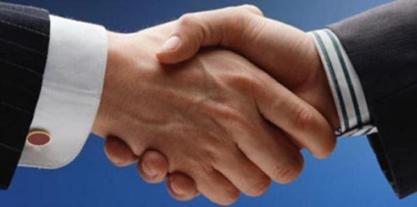 Lenguaje Corporal: El Apretón de manos y su significado