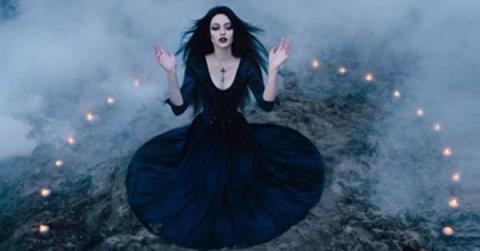 Qué tipo de bruja eres y qué poderes tienes según tu signo del zodiaco