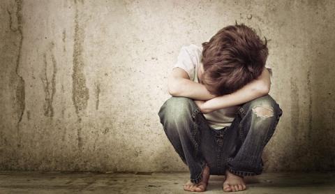 5 heridas emocionales de la infancia que nos siguen dañando como adultos