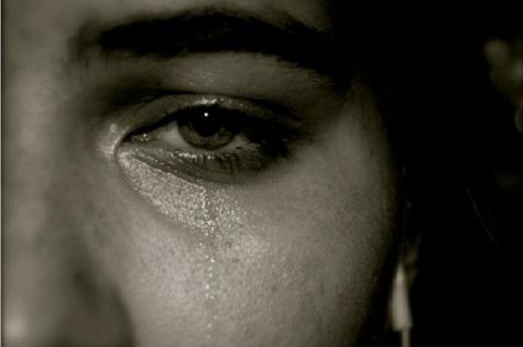 ¿Necesita bajar de peso? Póngase a llorar, estudios revelan que el llanto ayuda a perder peso