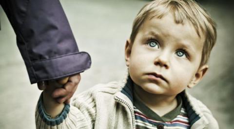 Daños que sufre un niño que crece sin padre. Mira cómo curar estas heridas y hacerlo feliz