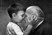 Los niños que crecen cerca de sus abuelos serían más felices y seguros
