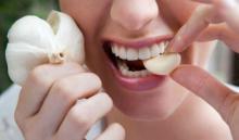 Esto es lo que pasa cuando pones un diente de ajo en tu boca por 30 minutos