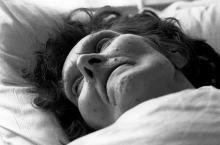Esta anciana escribió una nota antes de morir. Cuando su enfermera la leyó, se quedó sin palabras