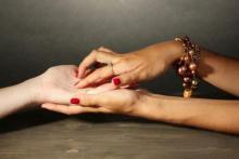 Cómo leer las manos con tres métodos