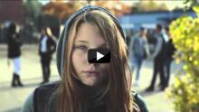 """""""Querido papá, me van a llamar puta"""": El vídeo viral que está conmoviendo al mundo"""